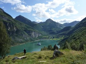 Wanderung entlang des Geiranger Fjord